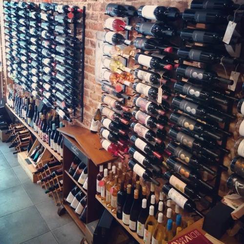 Магазин за българско вино и деликатеси Купаж в София