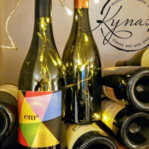 Българско вино и деликатеси магазин Купаж